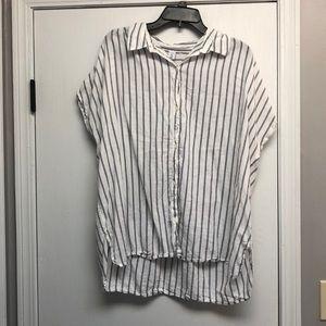 Vertical striped shirt